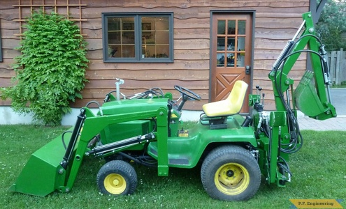 John Deere 318 Micro Hoe Loader left side view by Walter K., Pointe Claire, Quebec, CN