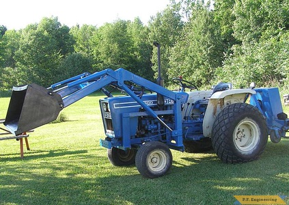 Ford 1300 compact tractor loader_2