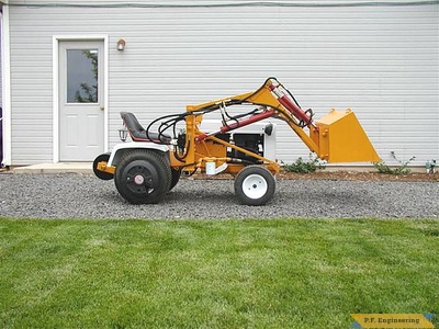 Gilson 16 HP garden tractor front end loader_2