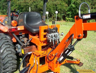 Kubota L3410 compact tractor Micro Hoe_3
